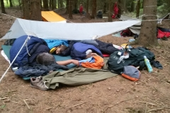 Spaní pod igelitem