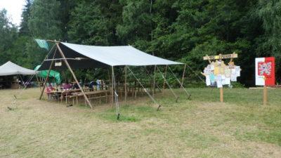 Jídelna a táborový oznamovatel